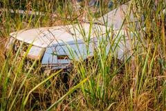 Le vecchie automobili di Abandone si sono trasformate nei relitti Fotografia Stock Libera da Diritti