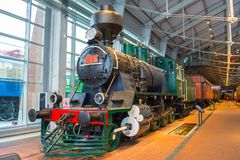Le vecchie locomotive a vapore dei periodi dell'URSS La Russia St Petersburg Ferrovie del museo la Russia del 21 dicembre 2017 Fotografia Stock Libera da Diritti
