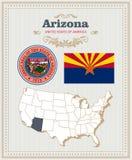 Le vecteur détaillé élevé a placé avec le drapeau, le manteau des bras, carte de l'Arizona Affiche américaine Carte de voeux Photographie stock libre de droits