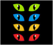 Le vecteur fantasmagorique de yeux de Halloween a placé sur le fond noir Illustration de mal, iris fâché dangereux et sauvage de  Photo stock