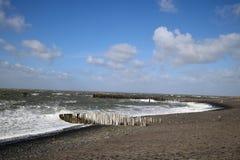 Le vent orageux fait une belle mer photo stock