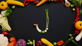 Le verdure hanno fatto la lettera J fotografie stock libere da diritti