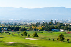 Le verger verdit le terrain de golf Photo stock