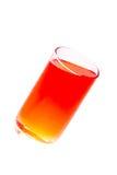 Le verre de l'eau, l'eau de boissons, boivent la lumière rouge du verre Photos libres de droits