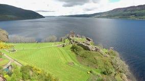 Le vert aérien célèbre Ecosse Royaume-Uni de tir de Loch Ness clips vidéos