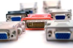 Le VGA-dvi d'adaptateurs sur un fond blanc Image libre de droits