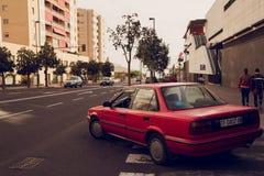 Le vie di Tenerife sono accese con il sole luminoso Immagini Stock