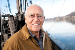 Le vieil homme sur la mer Images libres de droits