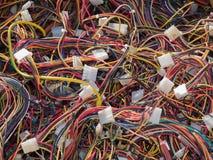 Le vieil ordinateur partie, des câbles se ferment vers le haut de la scène 3 Photo stock