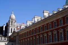 Le vieux bâtiment d'Amirauté au défilé de gardes de cheval à Londres, Angleterre Photographie stock libre de droits