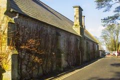Le vieux bâtiment monastique annexé à l'hôtel de ville de Bangor en Irlande du Nord image stock