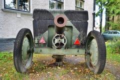Le vieux canon de la deuxième guerre mondiale Photos stock