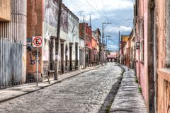 Le vieux centre ville de rue de San Luis Potosi, Mexique image stock