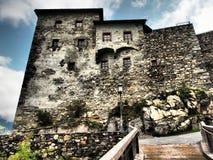 Le vieux château de Kaprun est presque le squelette de l'ancien Burg, mais dans la forme très bonne et quelques événements sont f photos libres de droits