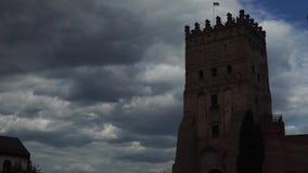 Le vieux château, nuages chronomètrent des recouvrements clips vidéos