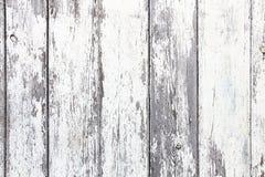 Le vieux gris blanc sale et superficiel par les agents a peint le fond en bois simple de texture de planche de mur Images stock