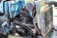 Le vieux moteur tracteur Photo stock