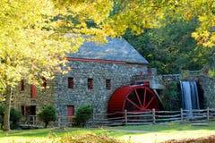 Le vieux moulin de blé à moudre Image libre de droits