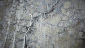 Le vieux mur gris a cassé le béton Images libres de droits