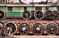 Vieux trains de polonais dans le hall de service images stock