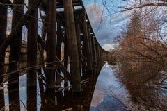 Le vieux pont Lowell en train, les spaghetti de masse de prince s'exercent image libre de droits