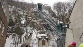 Le vieux Québec, chemin de fer funiculaire de Canada lie la ville supérieure et inférieure image libre de droits