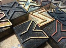 Le vieux type en bois marque avec des lettres XYZ Images stock