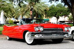 Le vieux véhicule de Cadillac photo stock