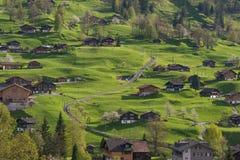 Le village dans la vallée de Grindelwald, Suisse Photos libres de droits