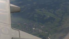 Le village de la fenêtre d'avion clips vidéos