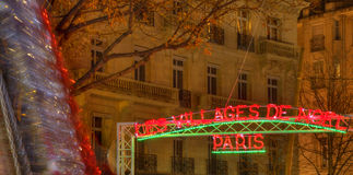 Le village de Noël à Paris Photo libre de droits