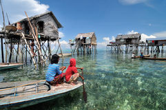 Le village du pêcheur de Bajau Photos libres de droits