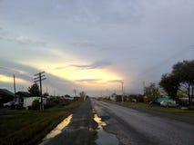 Le village du transport-Ural pendant l'activité d'orage photos libres de droits