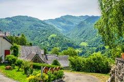 Le village pyrénéen français d'Aydius Image libre de droits