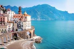 Le village scénique d'Atrani, côte d'Amalfi Images stock