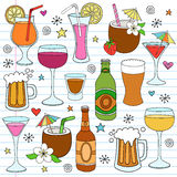 Le vin de bière et les boissons mélangées gribouillent des éléments de conception Image libre de droits
