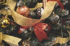 Le vintage a décoré le fond de fée d'arbre de Noël Image stock