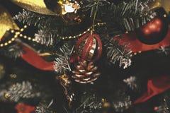Le vintage a décoré le fond de fée d'arbre de Noël Photo libre de droits
