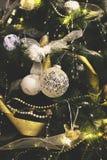 Le vintage a décoré le fond de fée d'arbre de Noël Photographie stock libre de droits