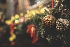 Le vintage a décoré le fond de fée d'arbre de Noël Images libres de droits