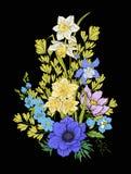 Le vintage de broderie fleurit le bouquet du pavot, jonquille, anémone, Images libres de droits