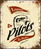 Le vintage pilote le logo de vecteur de T-shirt de club de moteur de vélos de coutume sur le fond clair Photographie stock libre de droits