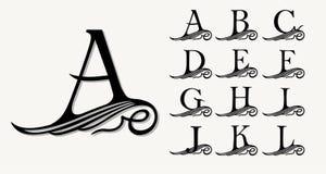 Le vintage a placé 1 Majuscules calligraphiques avec des boucles pour des monogrammes, des emblèmes et des logos Images libres de droits
