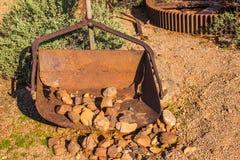 Le vintage s'est rouillé scoop en métal des exploitations minières Photo stock