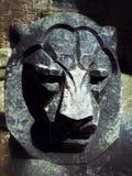 Le visage d'un lion a découpé dans la pierre du château d'Edimbourg Image libre de droits