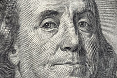 Le visage de Benjamin Franklin sur le billet d'un dollar des USA 100 Photos libres de droits