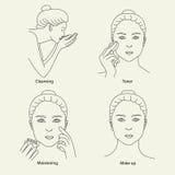 Le visage de nettoyage de soins de la peau composent Image libre de droits