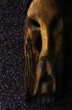 Le visage en bois sur le mur Photo libre de droits