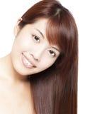 le visage et le cheveu du beau femme asiatique Photo libre de droits