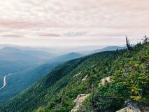 Le viste della cresta della montagna dalla montagna del cannone fotografia stock libera da diritti